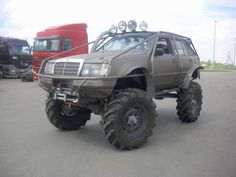 1987 #MercedesBenz E300 Station Wagon Turned Into a Massive #Truck
