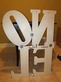 NOEL and HOME Sign DIY. Guys we have to do this!