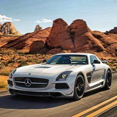 Beautiful Mercedes SLS!