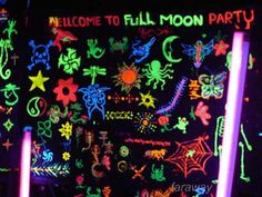Samui Photos, Body Painting Is Very Popular At The Fullmoon Party