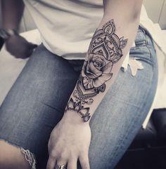 Resultado de imagen de mandala rose tattoo