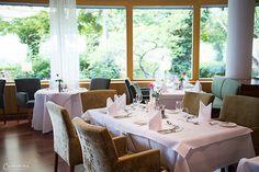 KULINARISCHE REISE: Genuss & Entspannen im Steirerhof Aperol, Restaurant, Hot, Table Settings, Table Decorations, Furniture, Cocktails, Home Decor, Winter Drinks