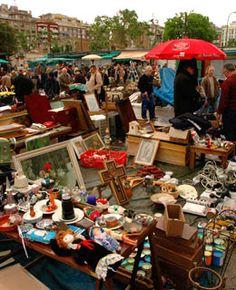 Placa de sol, Barcelona, Spain I Flea market