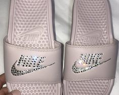 Women's Nike Benassi JDI Slide in all Particle Pink with Swarovski crystal details Mother Day Gifts, Gifts For Mom, Nike Benassi, Perfect Gift For Mom, Glam Makeup, Bad Hair, Fashion Design, Fashion Tips, Fashion Trends
