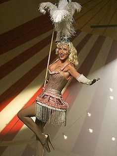 This lovely circus lady reminds me of the book Water For Elephants