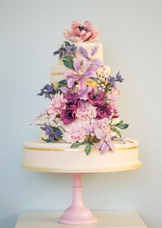 English Country Garden Wedding Cake | Rosalind Miller London > http://boards.styleunveiled.com/pin/8d5ef74b92de0025e0a30d21d4714152
