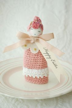 sweet little thing Knit Crochet, Crochet Hats, Crochet Ideas, Sweet Little Things, Crochet Decoration, Knitted Dolls, Easter Crafts, Happy Easter, Hand Stitching