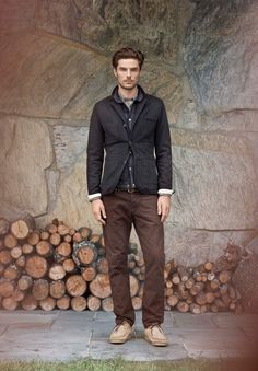 """Look of the day: charcoal jacket, brown pants and tan shoes - Country Casual, Men Casual, Smart Casual, Men Are From Mars, Mens Fall, Men's Wardrobe, Mens Fashion, Fashion Outfits, Trends"