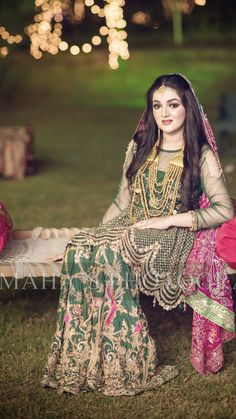 A different color on mayoun Pakistani Wedding Outfits, Indian Bridal Outfits, Pakistani Dresses, Wedding Dresses For Girls, Party Wear Dresses, Bridal Looks, Bridal Style, Bridal Mehndi Dresses, Shadi Dresses