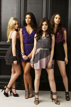 pretty little liars fashion LOVE the outfits on this show!!!!