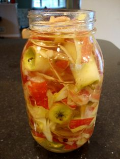How To Make Homemade Apple Cider Vinegar - http://www.ecosnippets.com/food-drink/how-to-make-homemade-apple-cider-vinegar/