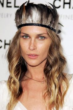 Le Luxe Mannequin: Model Off Duty: Erin Wasson Feather Crown, Feather Headdress, Feather Headband, Erin Wasson, Fashion Line, Fashion Beauty, Cool Blonde Hair, Models Off Duty, Wedding Beauty