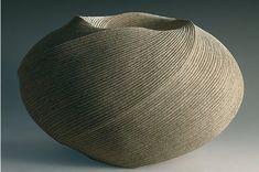 Cette céramique a ouvert la voie à un mouvement sculptural de céramique objet, né à Kyoto dans les années 50. Un grand nombre de techniques décoratives ont été mises au point dans les années 70 et 80.