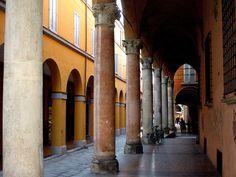 Bologna, portici di via Castiglione. | Flickr - Photo Sharing!