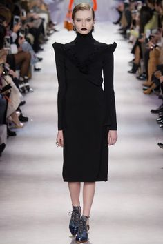 look 15 - Christian Dior Fall 2016 Ready-to-Wear Fashion Show                                                                                                                                                      More
