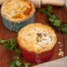 Chicken-(or-Turkey)-Pot-Pie - RecipeChart.com #Christmas #Crust #Delicious #Eat #Flaky #Holidays #ILoveToBake #MainDish #Savory #SoGood