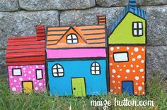 Maize Hutton shows you how to make this cute paper mache box neighborhood. Maize writes: I've had this idea for a while and finally finished it. These are paper mache house boxes. Yes, boxes. I thi...