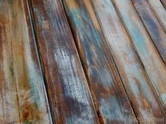 SUPER SIMPLE technique for making brand new wood look like old barn boards! {Reality Daydream} #rustic #distressed #farmhouse #barnwood