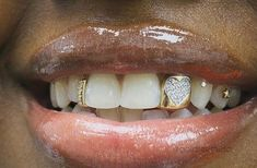 Hip Hop Jewelry, Custom Bubble Letters, Iced Out Jewelry, Gold Grillz Cute Jewelry, Body Jewelry, Tooth Jewelry, Gems Jewelry, Gold Jewellery, Girls With Grills, Girl Grillz, Diamond Grillz, Diamond On Teeth