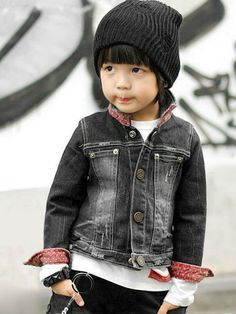 My future kids are gonna dress like gangsters! Baby Boy Dress, Baby Boy Swag, Toddler Boy Fashion, Little Boy Fashion, Kids Kiss, Cute Girl Dresses, Asian Kids, Stylish Boys, Grey Fashion