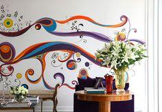 Afaste a monotonia com desenhos psicodélicos em tons vibrantes na parede. O projeto da foto é do designer de interiores Marco Aurélio Viterbo