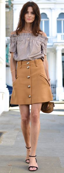 The Northern Light Camel Button A-skirt Fall Street Style Inspo #Fashionistas