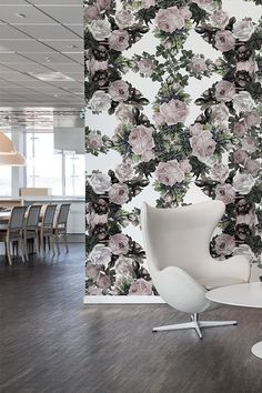 Låt stora blommor få klättra upp på väggarna och skapa ett glatt och fräscht intryck på kontoret. Deco Floral, Inspirational Wallpapers, Decoration, Wall Murals, Lounge, Diy, Business, Design, Interior Ideas