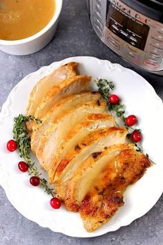 Instant Pot Turkey Breast Recipe - juicy turkey breast cooked in pressure cooker in just 35 minutes! The best way to save time preparing Thanksgiving dinner. Low Fat Dinner Recipes, Instant Pot Dinner Recipes, Instant Recipes, Slow Cooker Turkey, Cooking Turkey, Instant Pot Pressure Cooker, Pressure Cooker Recipes, Pressure Cooking, Pressure Pot