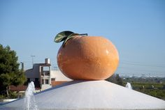 Rotonda-homenaje a la clementina (Villavieja, Castellón)