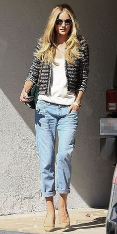 I like the look of this short cropped jacket with the light wash boyfriend jeans and nude heels.