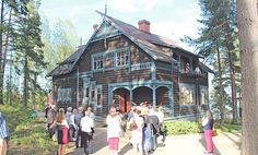 Pölkkylän huvilana tunnettu Villa Rosenlew elää uutta elämäänsä LänsiTeiskossa. Huvilan nykyinen isäntä haluaa jakaa huvilan historian…