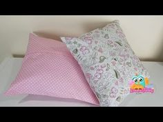 Para agregar mais charme e conforto ao seu quarto ou sala, confira algumas ideias de como fazer almofada, assim como dezenas de fotos para inspirar! Mo S, Couture, Sewing Hacks, Dyi, Bed Pillows, Pillow Cases, Quilts, Blanket, Watch