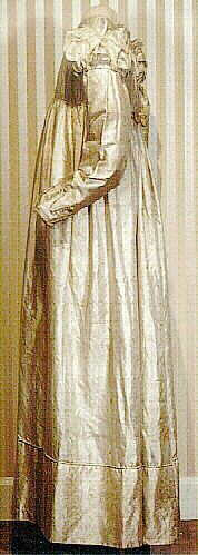 Ivory silk wedding dress, American (Marietta, Pennsylvania), 1824.