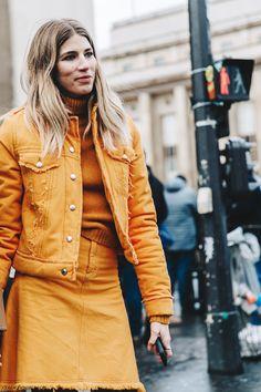 PFW-Paris_Fashion_Week_Fall_2016-Street_Style-Collage_Vintage-Veronika-Heilbrunner-Orange