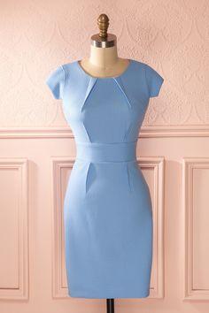 Robe bleu ciel texturée classique ajustée mi-longue col rond manches courtes - Pastel blue retro textured fitted short sleeved midi dress