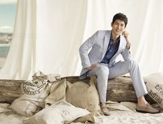 I'd hate to miss some very sweet updates, but due to a family obligation, there won't be a lot of posts tonight/today. With that said, here are more from Go Soo's summer pictorial… Korean Men, Korean Actors, Go Soo, My Fair Lady, Man In Love, Kimchi, Back Home, Summer Collection, Hate