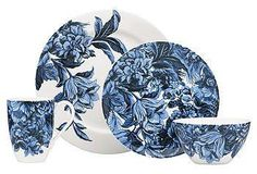 The lush, blue-and-white floral motif of this fine china bowl will give any kitchen modern sophistication.