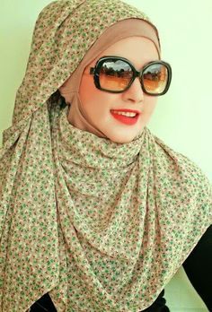 Arabic Hijab is especially vermiculite by Muslim females in the presence of adult males. In galore Muslim countries hijab is compulsory for women state their Hijab Fashion 2017, Arab Fashion, Islamic Fashion, Modest Fashion, Fashion 2020, Hijab Styles, Scarf Styles, Stylish Hijab, Modern Hijab