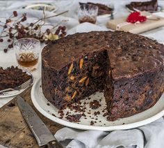 Hundreds of quick and easy recipes created by Annabel and her online community. Easy Christmas Cake Recipe, Christmas Cakes, Christmas Fruitcake, Christmas Recipes, Holiday Recipes, Slow Cooker Banana Bread, Cake Recipes, Dessert Recipes, Xmas Food