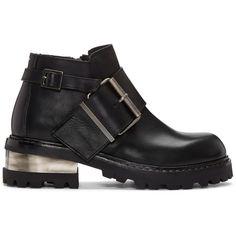 Maison Margiela Black Big Buckle Boots (€965) ❤ liked on Polyvore featuring men's fashion, men's shoes, men's boots, mens black shoes, mens zipper boots, maison margiela men's shoes, mens zip boots and mens black boots