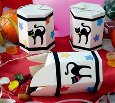 Arts And Crafts Ideas For Halloween Refferal: 8425995553 Cat Crafts, Halloween Crafts, Diy And Crafts, Arts And Crafts, Paper Crafts, Creative Activities For Kids, Diy For Kids, Kids Carnival, Card Making Inspiration