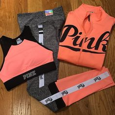 The gift to grab for the holidays! Cheer Outfits, Sporty Outfits, Pink Outfits, Athletic Outfits, Teen Fashion Outfits, Summer Outfits, Vs Pink Outfit, Victoria Secret Outfits, Victoria Secret Pink