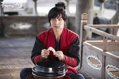 Cuteness behind the scenes of Gu Family Book | Dramabeans