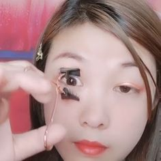 Do you want a faster, more accurate method to apply the full strip eyelashes? This tool is an ingenious Magnetic Eyelash Partner which helps you apply magne Sexy Eye Makeup, Clown Makeup, Makeup Art, Hair Makeup, 80s Makeup, Witch Makeup, Skull Makeup, Costume Makeup, Makeup Goals