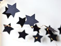 Black stars garland #blackstars #garland #blackgarland #blackdecor #homedecor #goth Star Garland, Black Star, Black Decor, Goth, Paper Crafts, Stars, Unique Jewelry, Handmade Gifts, Party