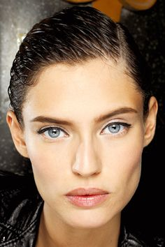 spring 2012 ready-to-wear  Chanel  Beauty  Bianca Balti.