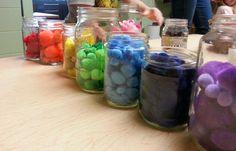 Color sorting - Imagine Learning Center ≈≈ Preschool Classroom, Kindergarten Math, Classroom Ideas, Learning Centers, Math Centers, Reggio, My Baby Girl, School Days, Projects For Kids