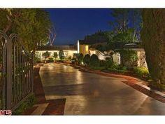 1174 hillcrest road beverly hills   Elvis Presley - Home: North Hillcrest Road, Beverly Hills, CA List ...