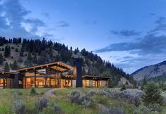 The River Bank is a project by Balance Associates Architects. The house sits along the Gallatin River just outside Big Sky, Montana, USA.