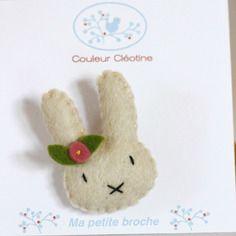 petit lapin en feutrine de laine